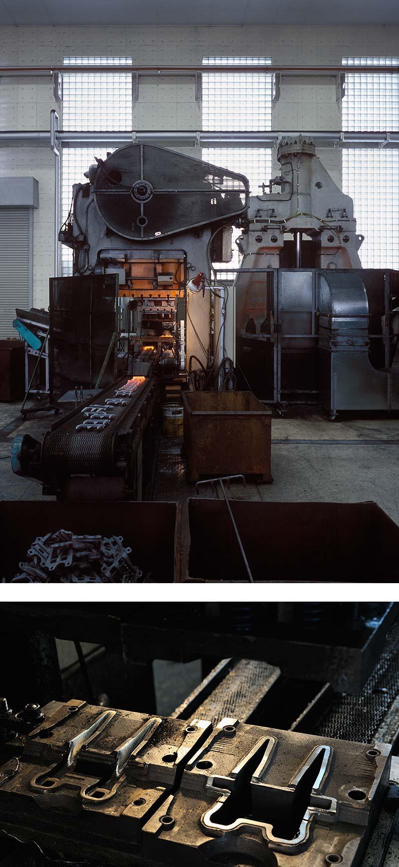 新鍛造工場24-穴抜き、外抜き用の抜き型