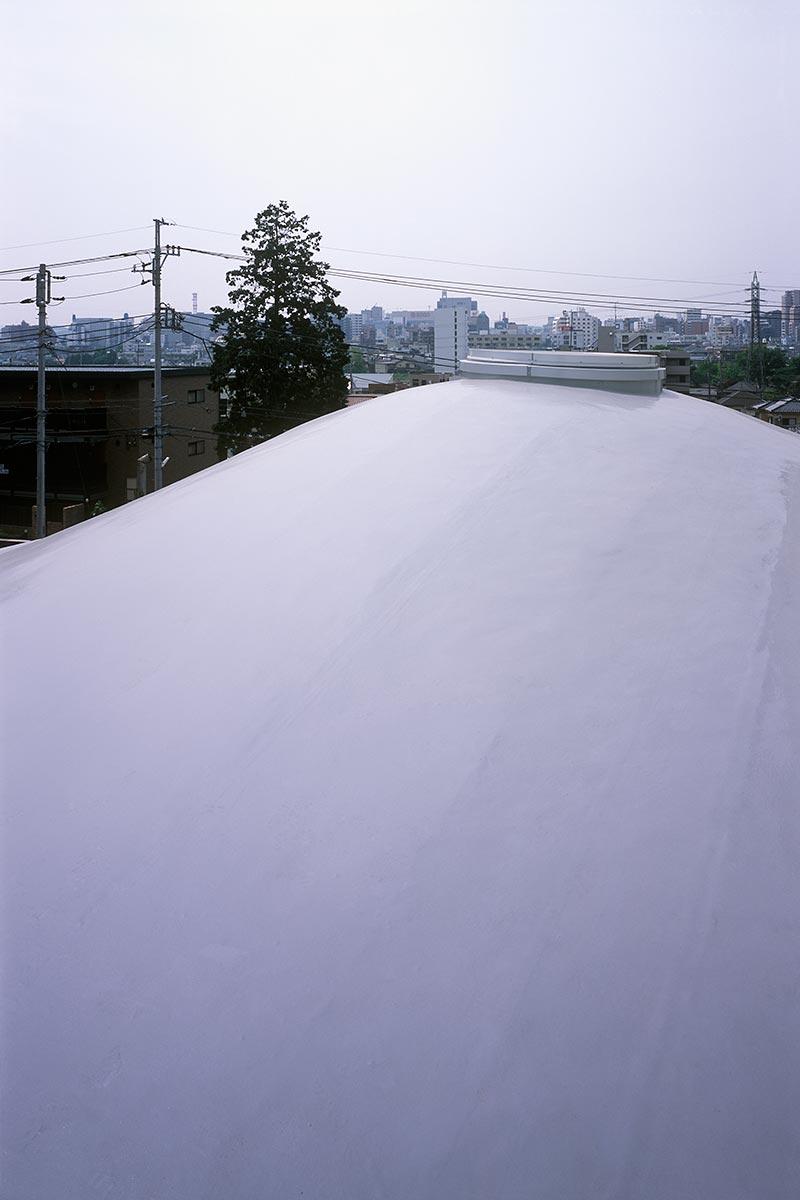 K織物株式会社+K邸37-2階の曲面の屋根