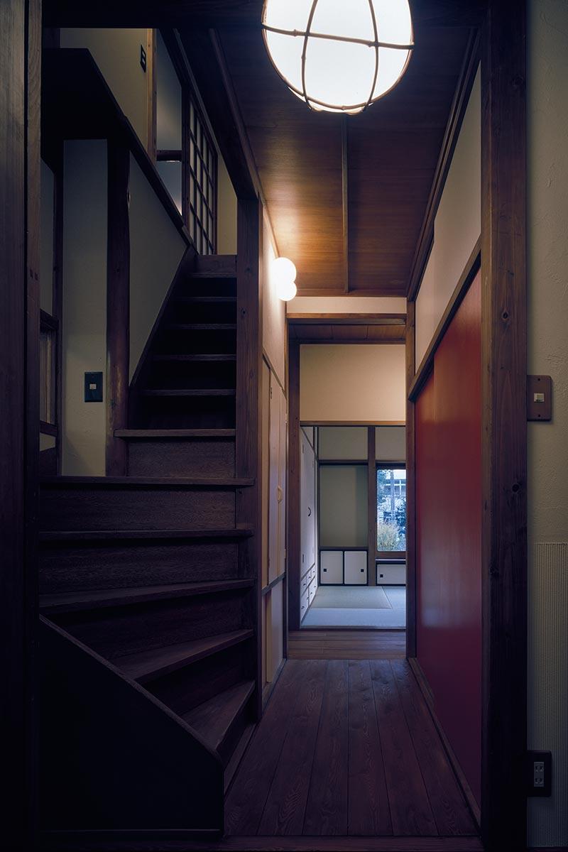 八王子S邸8-廊下より和室を見る