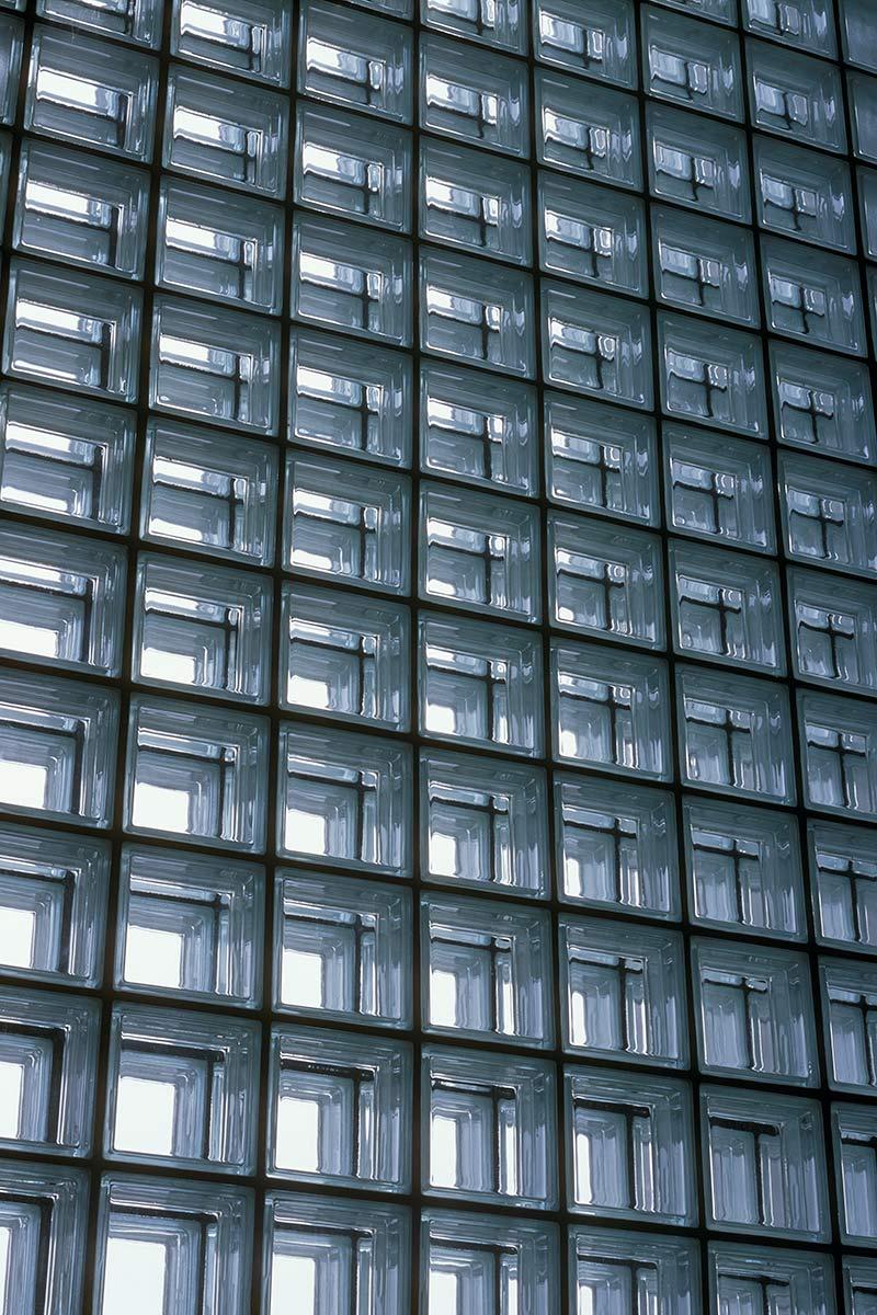 新鍛造工場36-遮音ガラスブロック