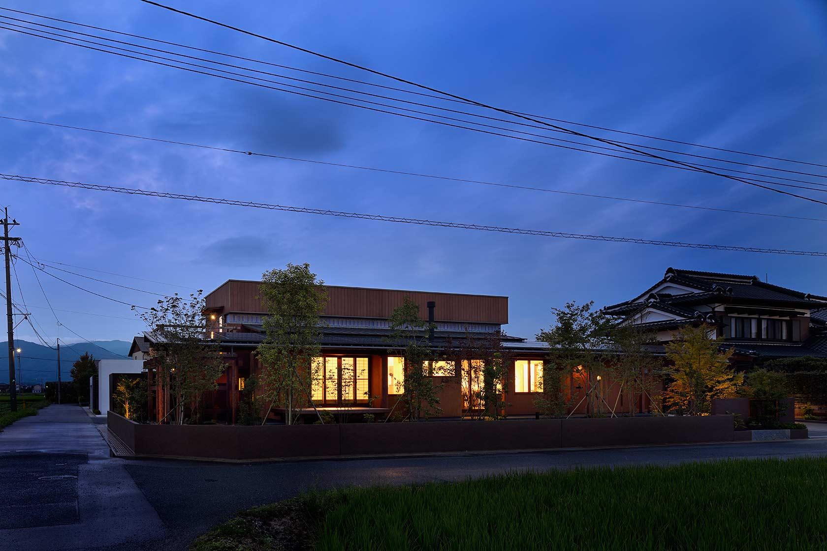 吉野ヶ里の家22-南面夜景