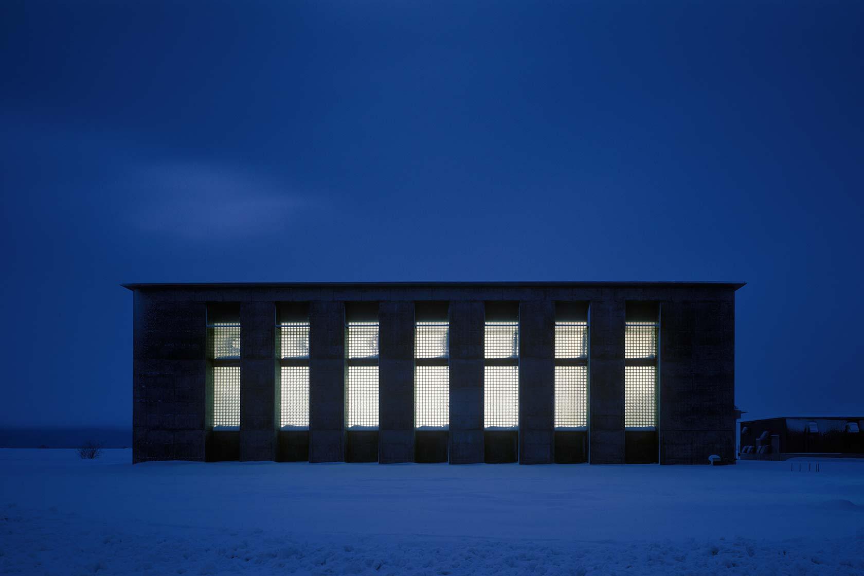 新鍛造工場3-南面外観 夜景