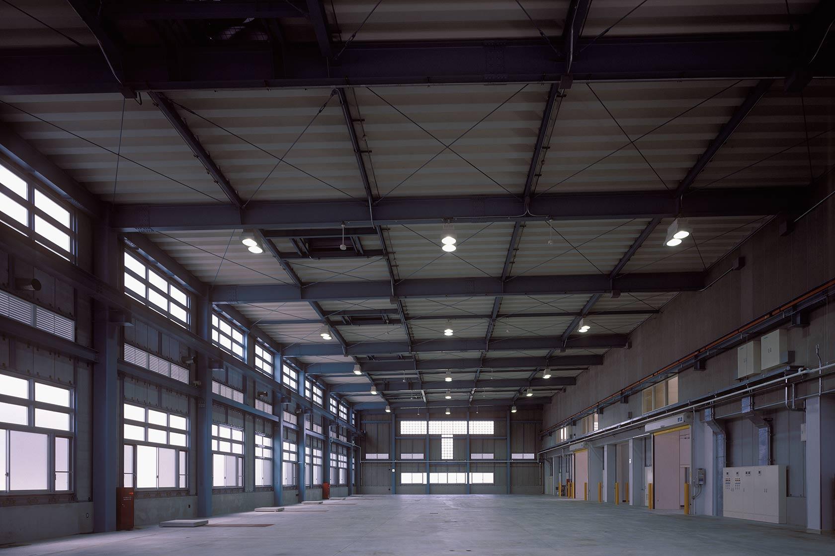 テラダイ4-機械が設置される前のダイカスト作業室内観