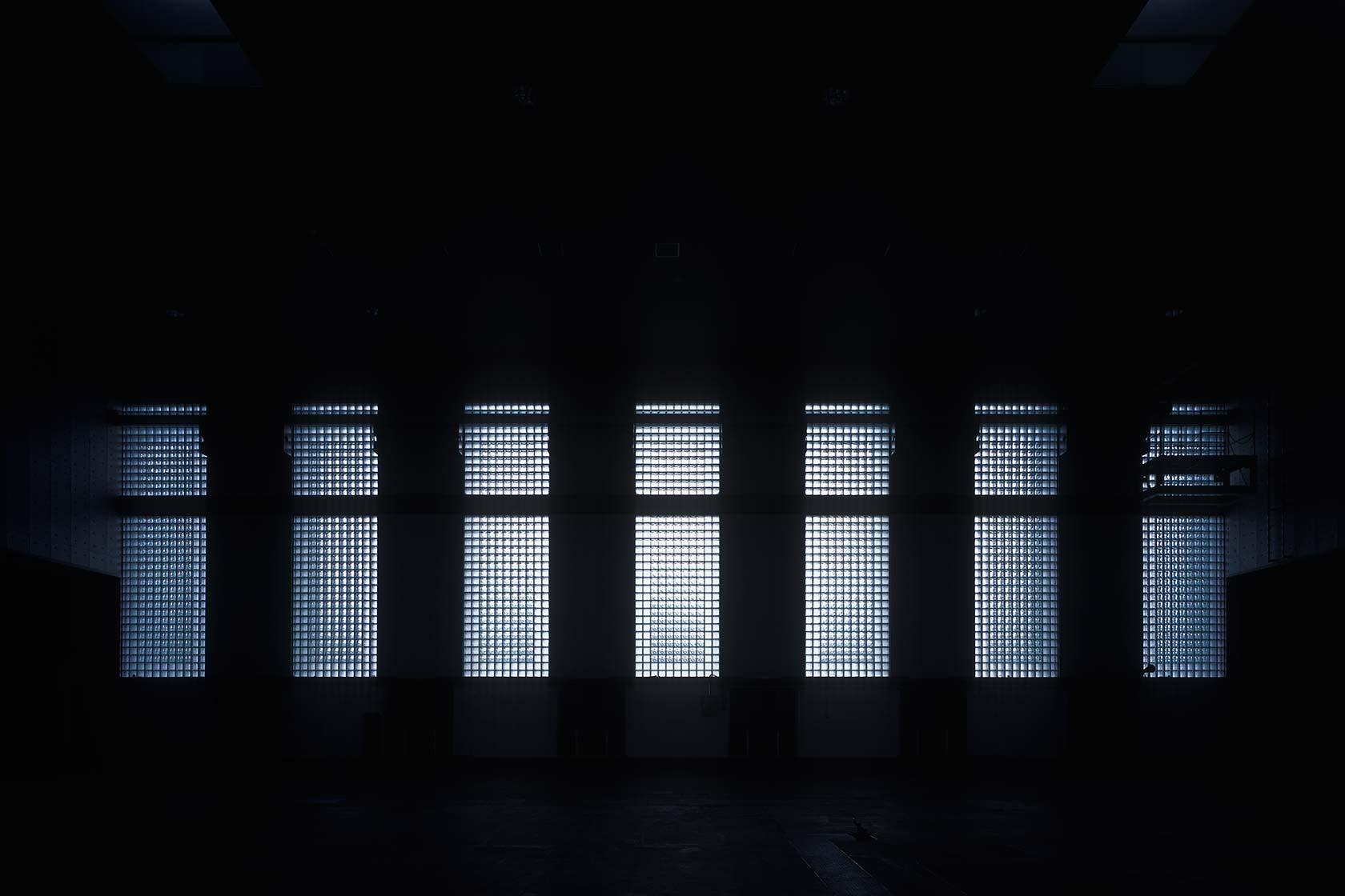 新鍛造工場4-ファサードのガラスブロック