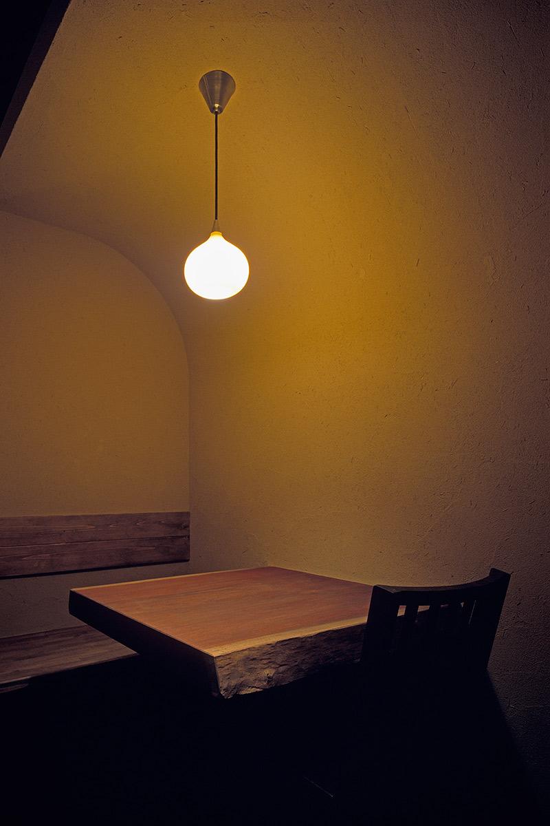 一魚二菜11-壁から天井まで左官仕上