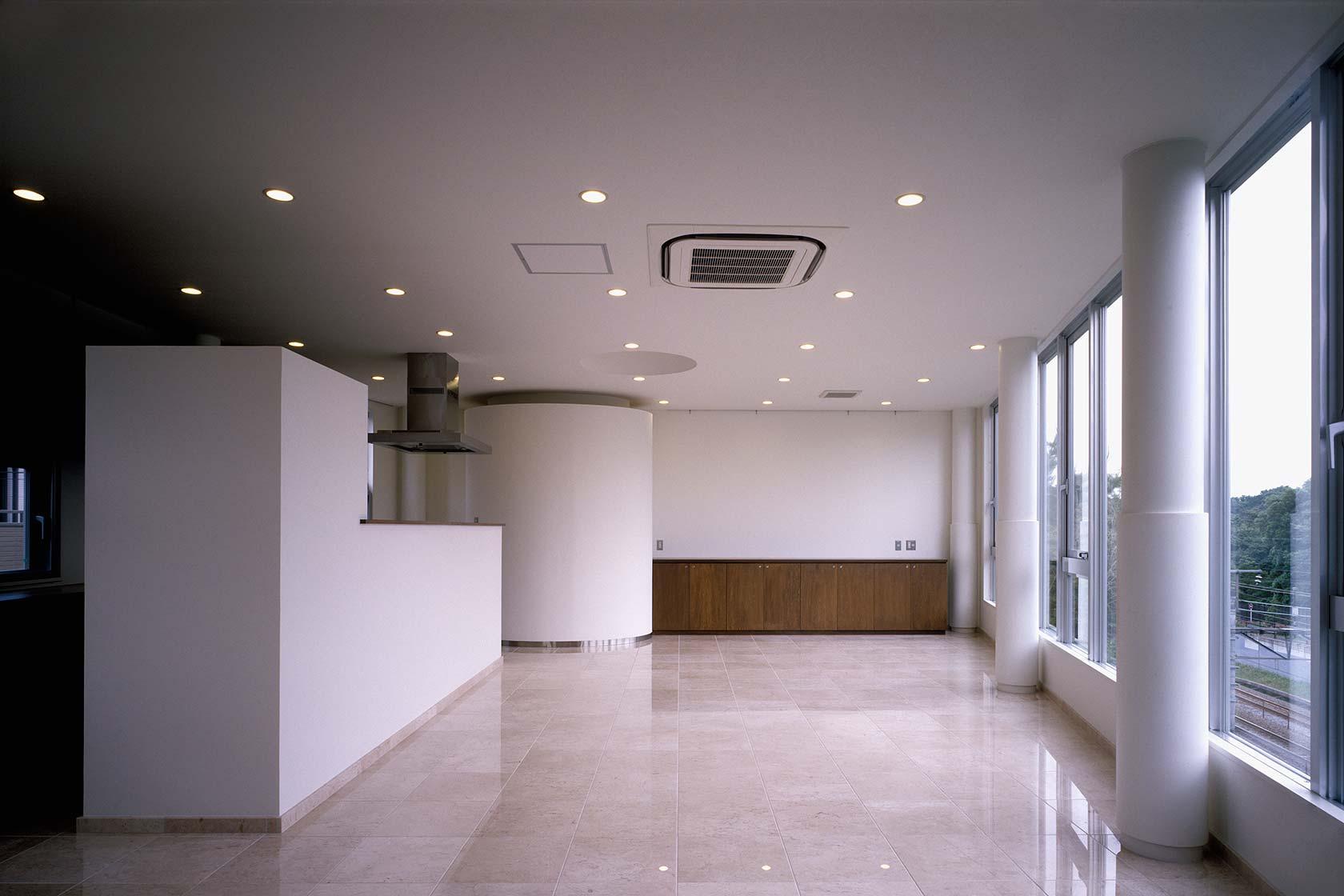 officeT6-階段側から打合せ室を見る