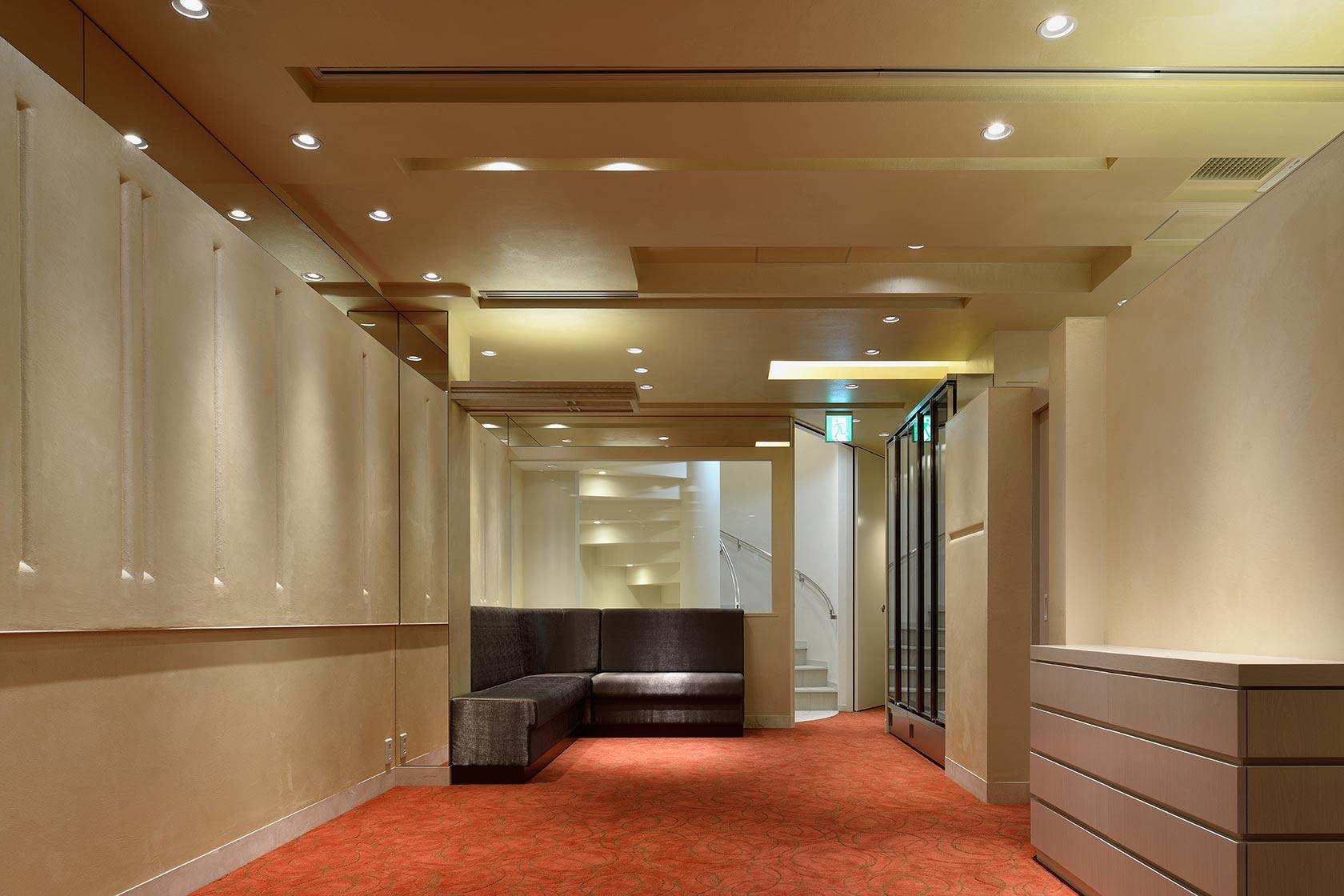 ナベノイズム12-テラス側から2階客室を見る