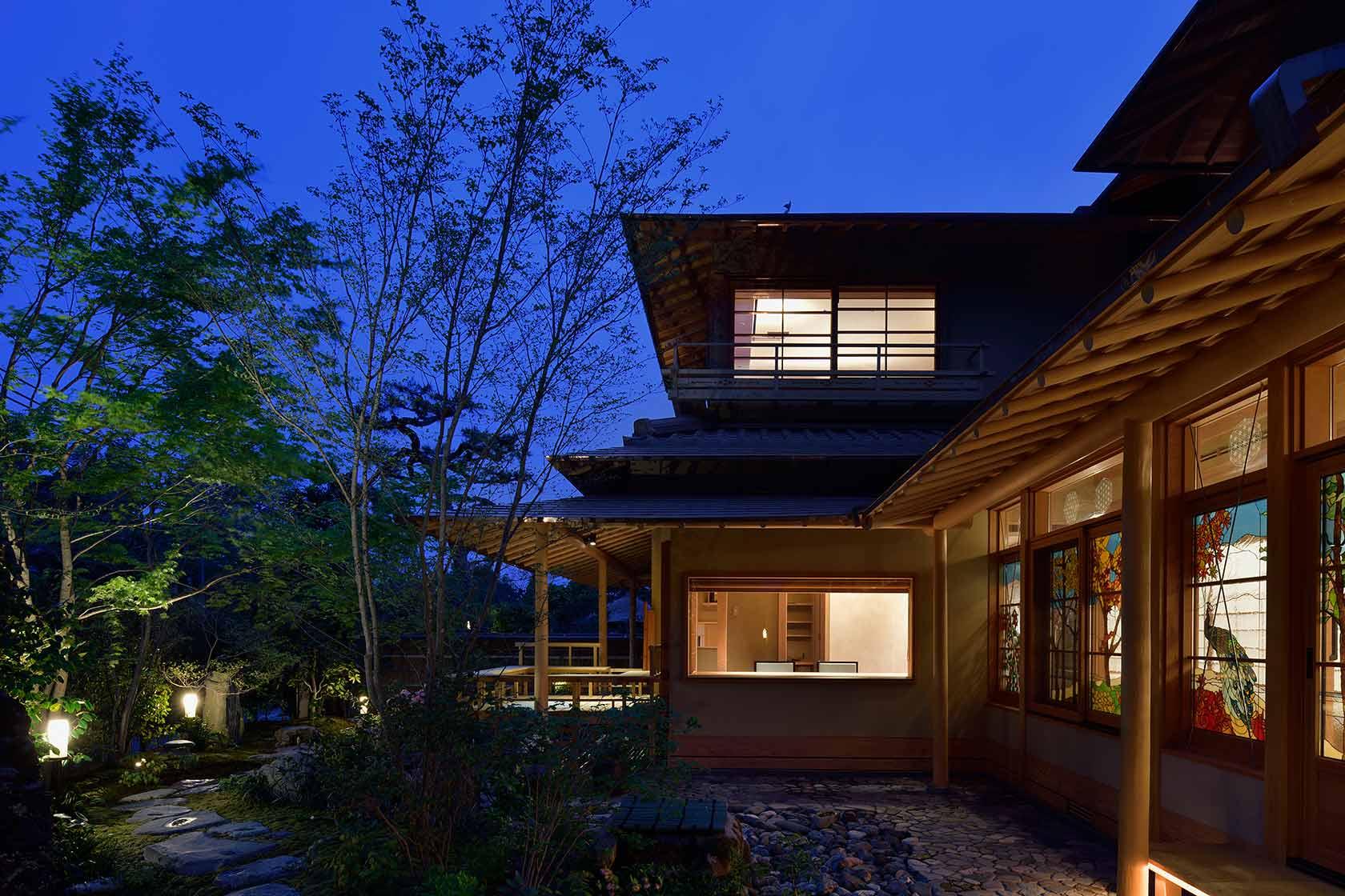 A邸35-外観 夜景