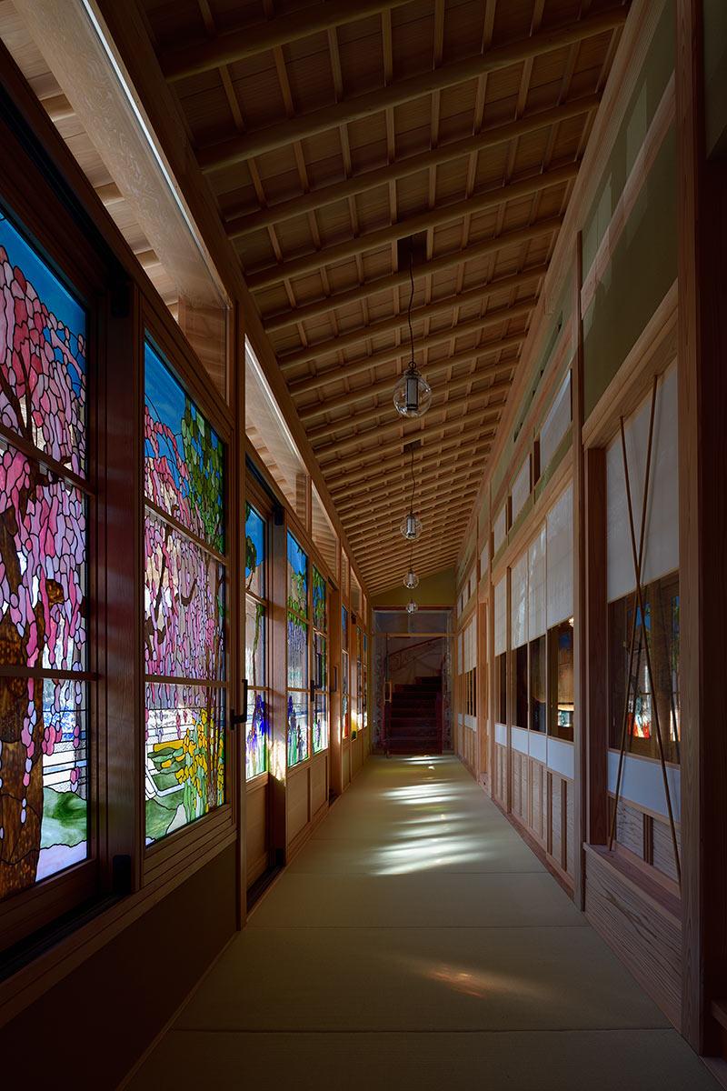 A邸7-1-玄関から畳廊下を見る