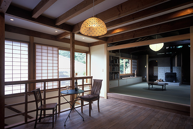 京都U邸8-ダイニングから居間を見る